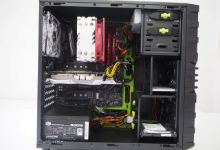 Blick in den Gaming PC von Ultraforce
